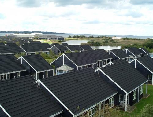 Rønbjerg Feriecenter fik lagt 220 nye decratage ialt 17.500m2