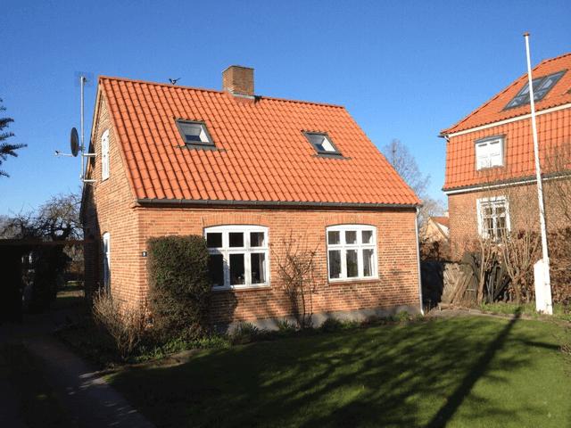 Nyt tegltag og nye kviste på hus i København NV