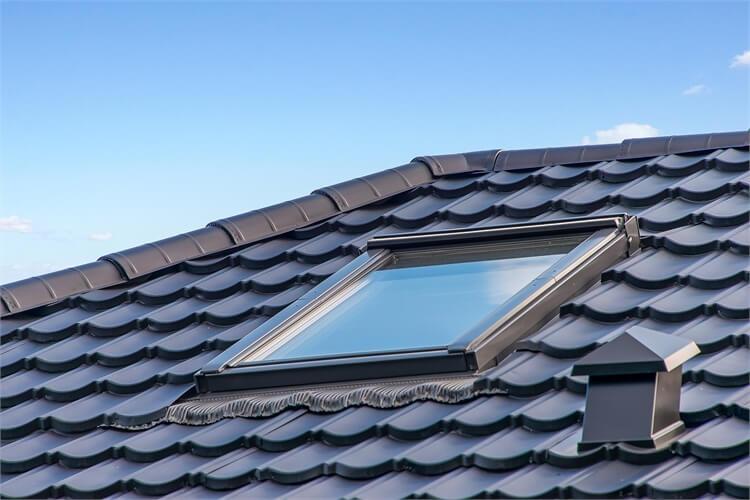 Velux vinduer monteret i Decratage » Jydsk Tagteknik