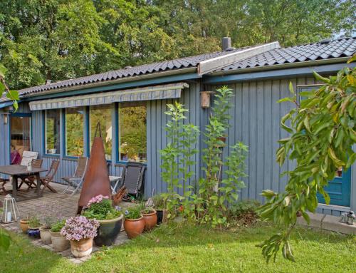 Huset i Solrød fik nyt Bølgeeternittag