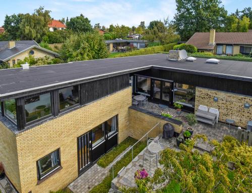 Villaen i Birkerød fik lagt nyt tagpapdækning