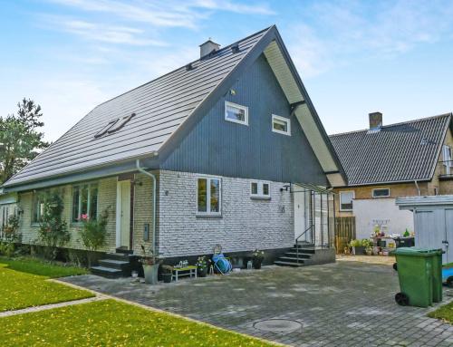 Villaen i Dyssegård fik nyt Quadrotag (se før billeder)