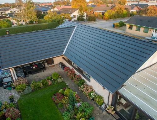 Nyt Quadrotag blev monteret på villaen i Middelfart, villaen gik også monteret nye metal tagrender.