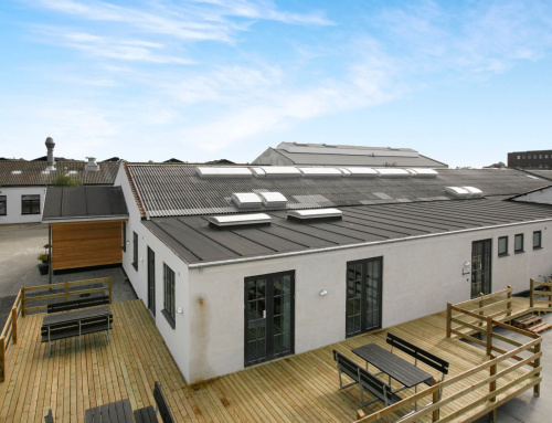 Nyt tagpap med lister på lagt erhvervs bygning i Køge