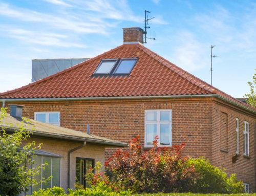 Villaen i Kastrup fik lagt et nyt tegltag.