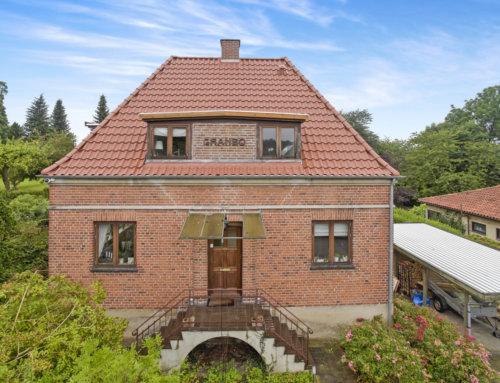 Flot villa i Gentofte fik nyt tegltag