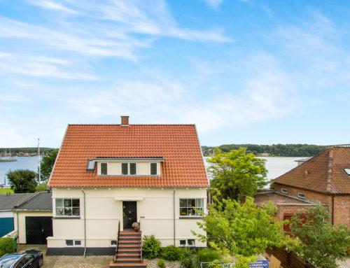 Smukt tegltag på villa i Svendborg