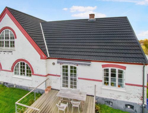 Unik ejendom på Ærø fik AeroDek Tradition tag (Decra Classic)