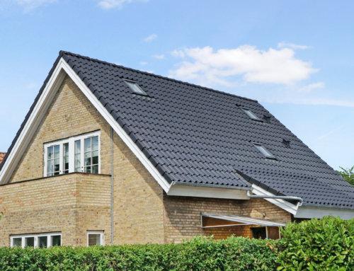 Huset i Gentofte fik lagt et nyt betontegltag